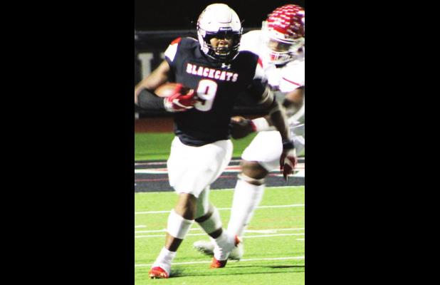 Van rolls over Mexia 62-6 on Homecoming Night
