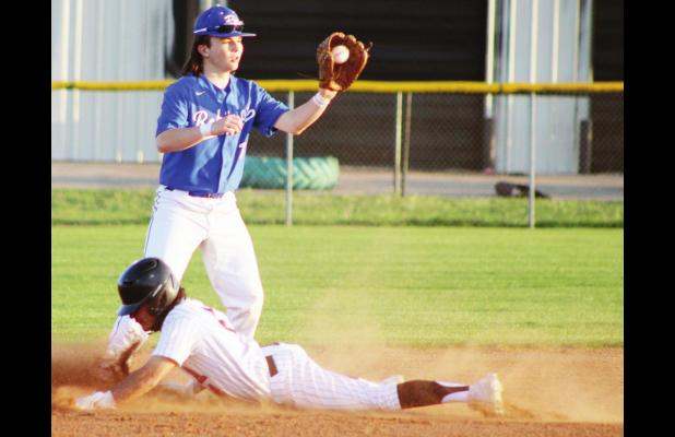 Blackcats hold off Connally for first district baseball win
